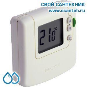 07029 Honeywell DT90E1012 Комнатный электронный термостат, 5-35С, SPDT, 230В, 8(3)А, размытая логика, эко режим