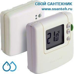 07031 Honeywell DT92E1000 Комнатный беспроводной электронный термостат, 5-35С, SPDT, 230В, 8(3)А, размытая логика, эко режим